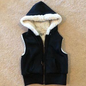 Girls L TRACTR Black Hooded Vest